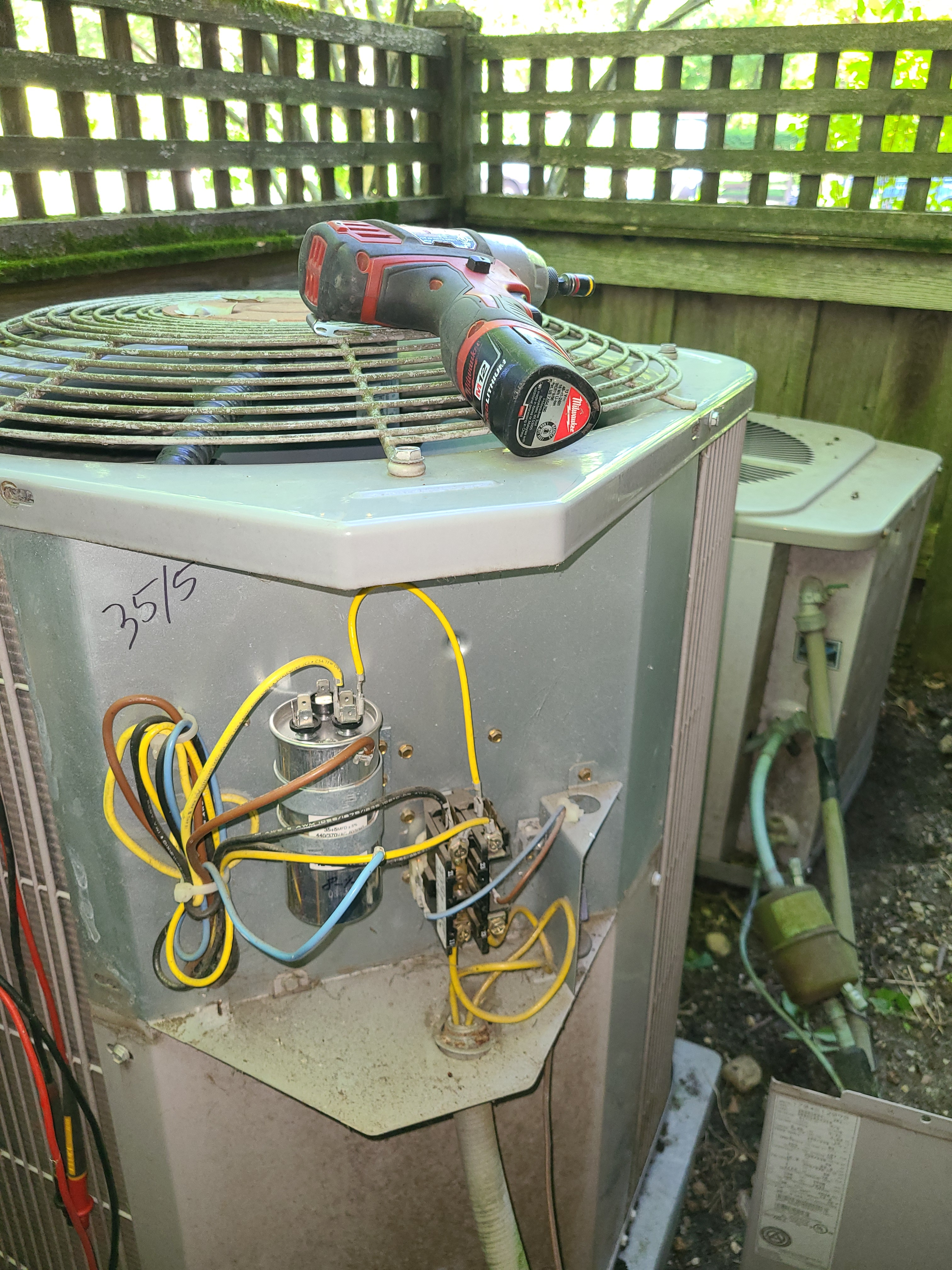 2x Carrier air conditioning system cleaned and checked. Ready for summer!