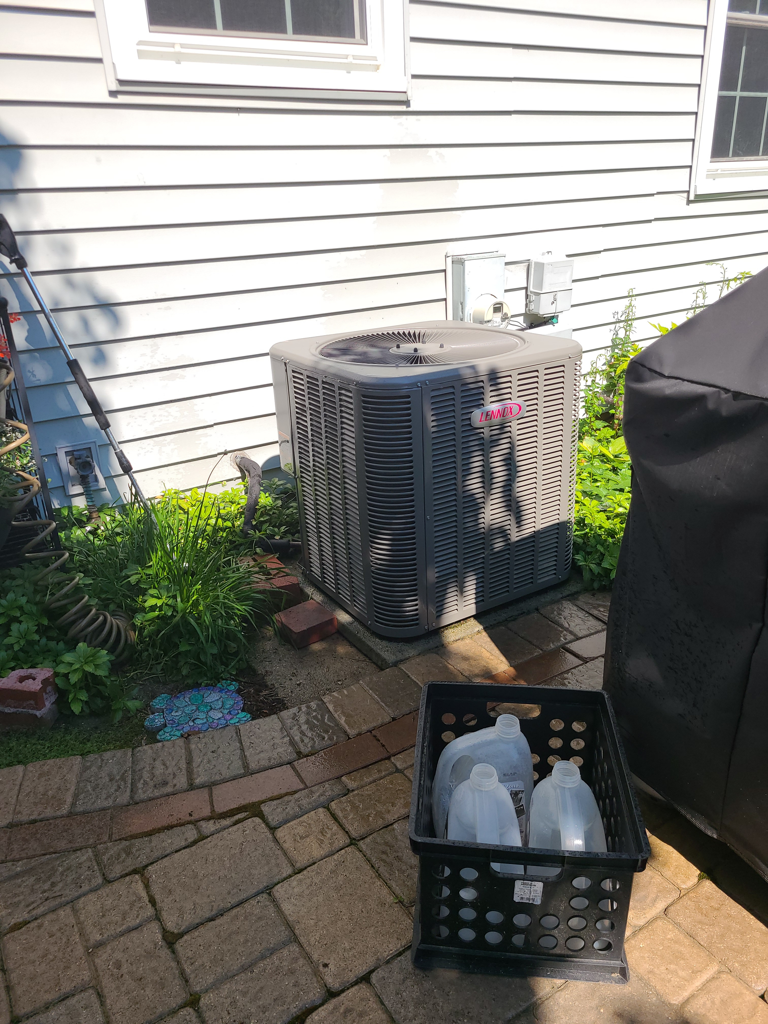 Make sure your Lennox keeps you cool this summer and schedule a maintenance with American Weathermakers today.