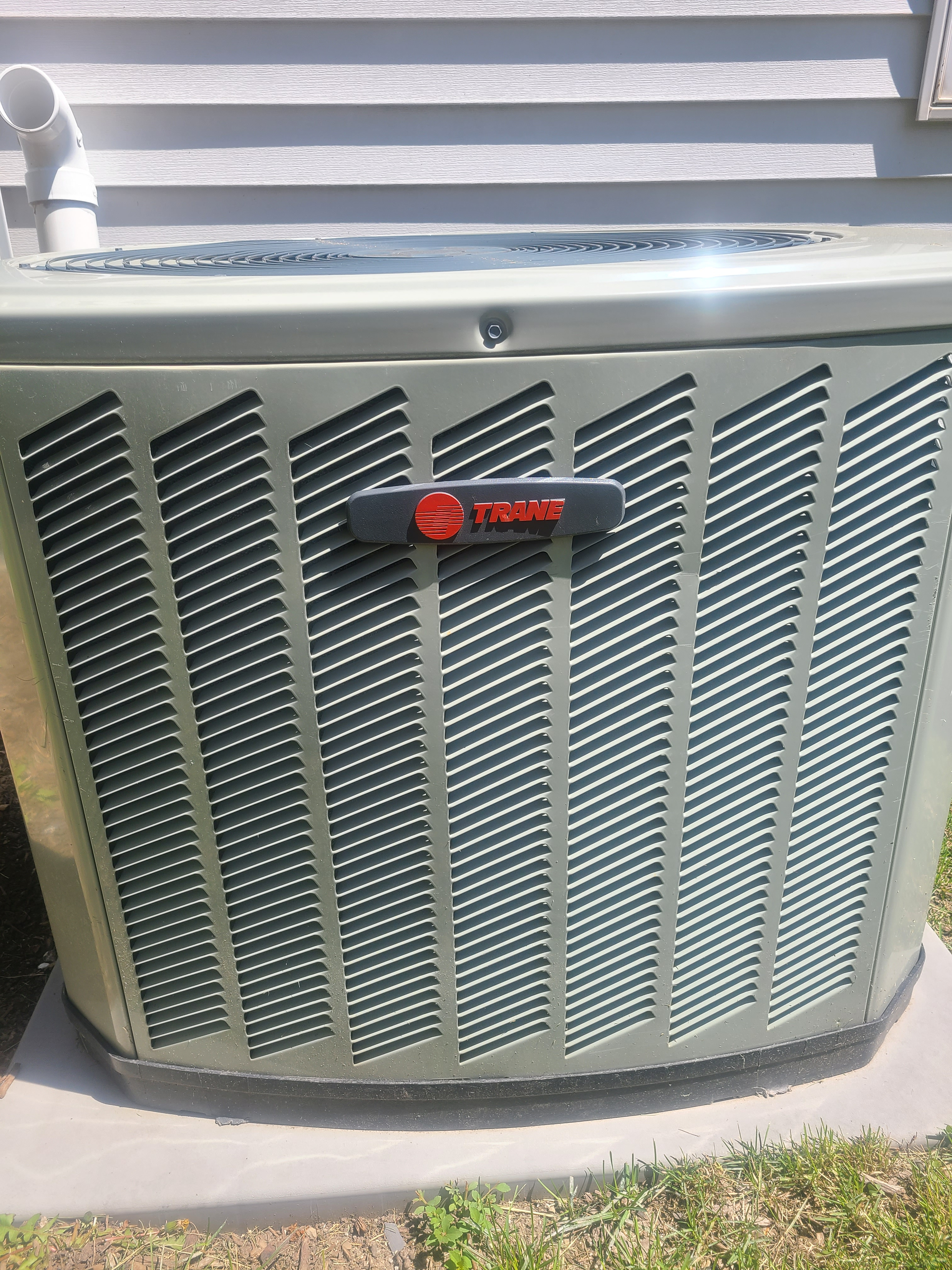 Trane air conditioning maintenance for Comfort Club.