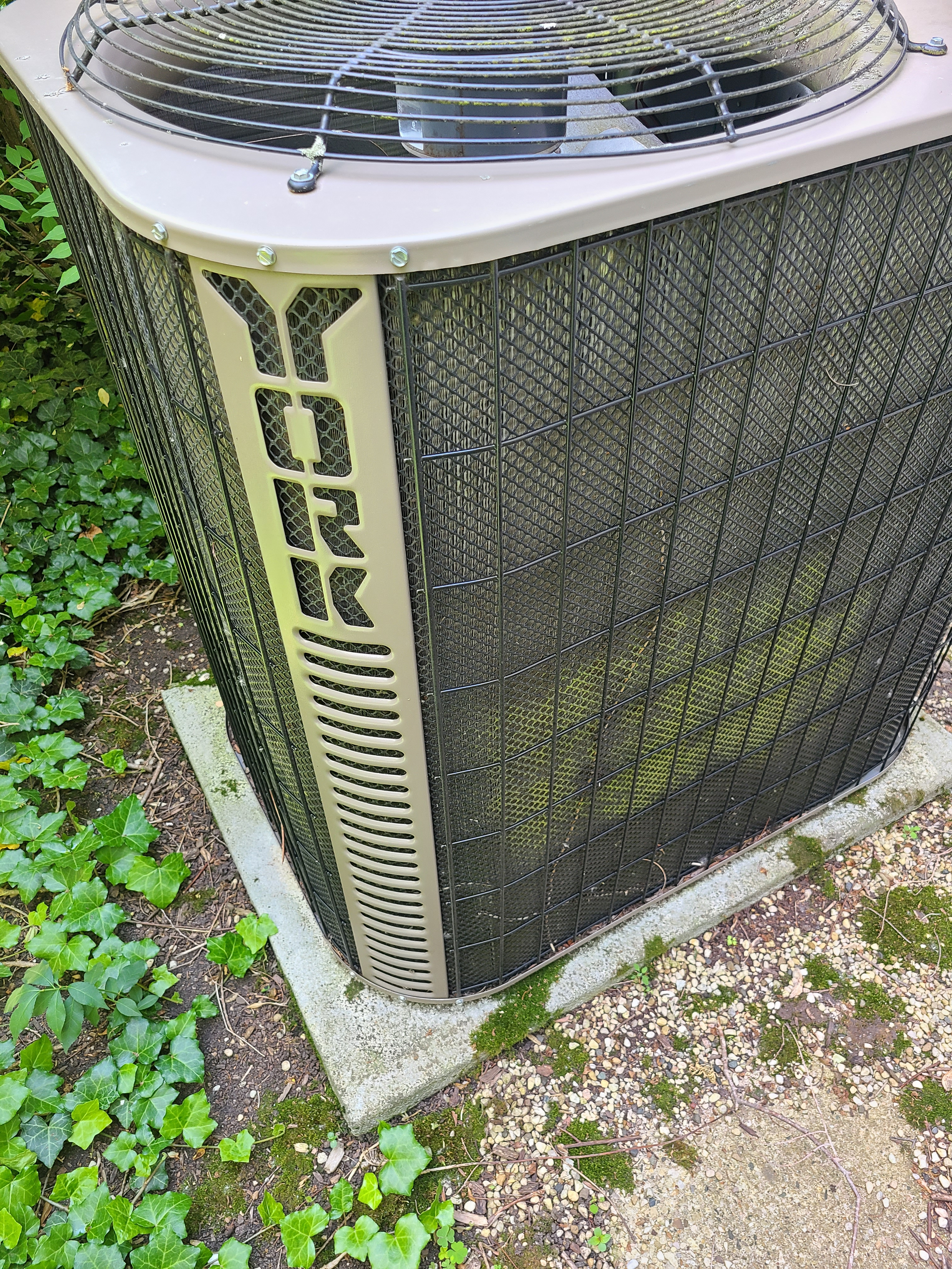 York air conditioning maintenance for Comfort Club.