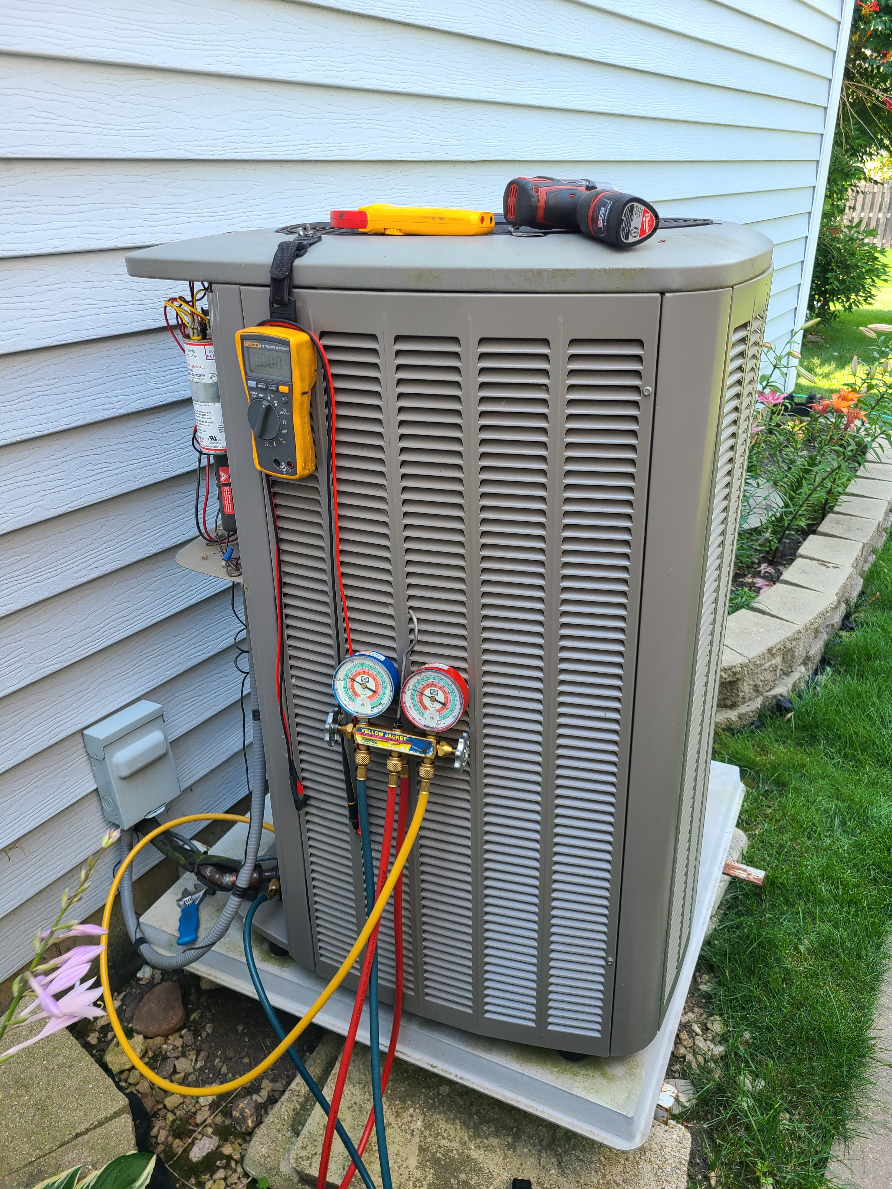 Lennox ac maintenance and repair. System cleaned and checked and ready for summer.