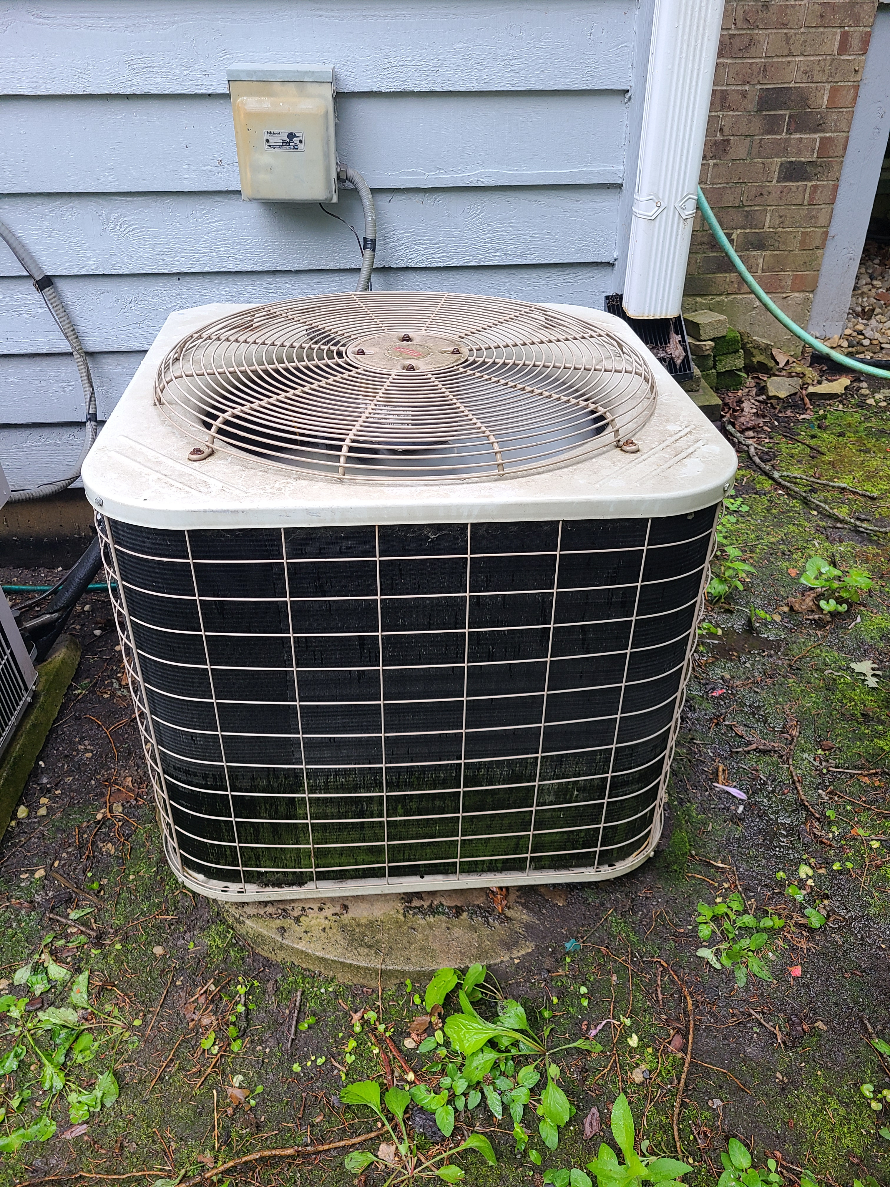 Bryant ac system summer maintenance.  System cleaned and checked and ready for summer.