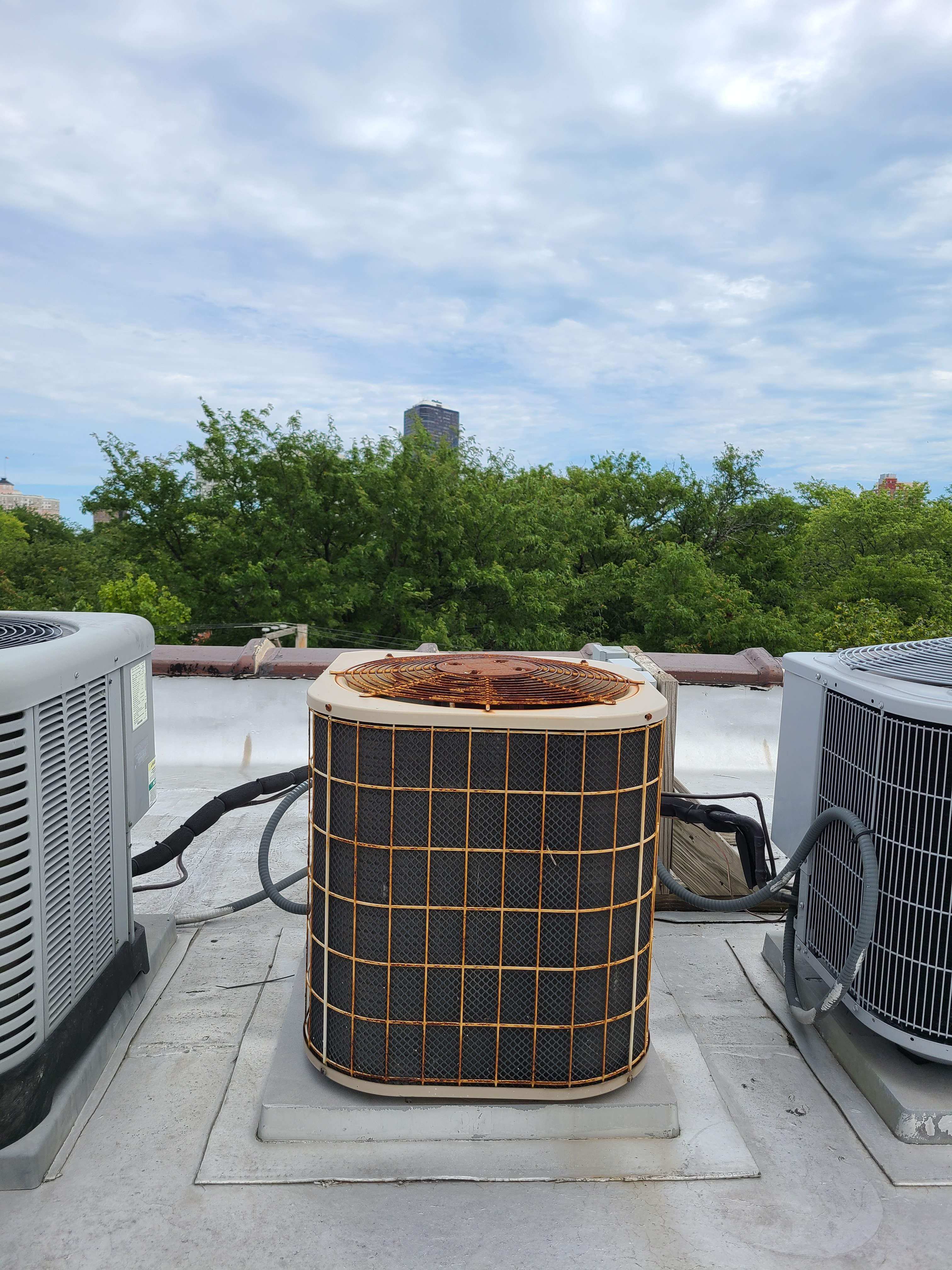 Photo of luxaire condenser holding on strong!