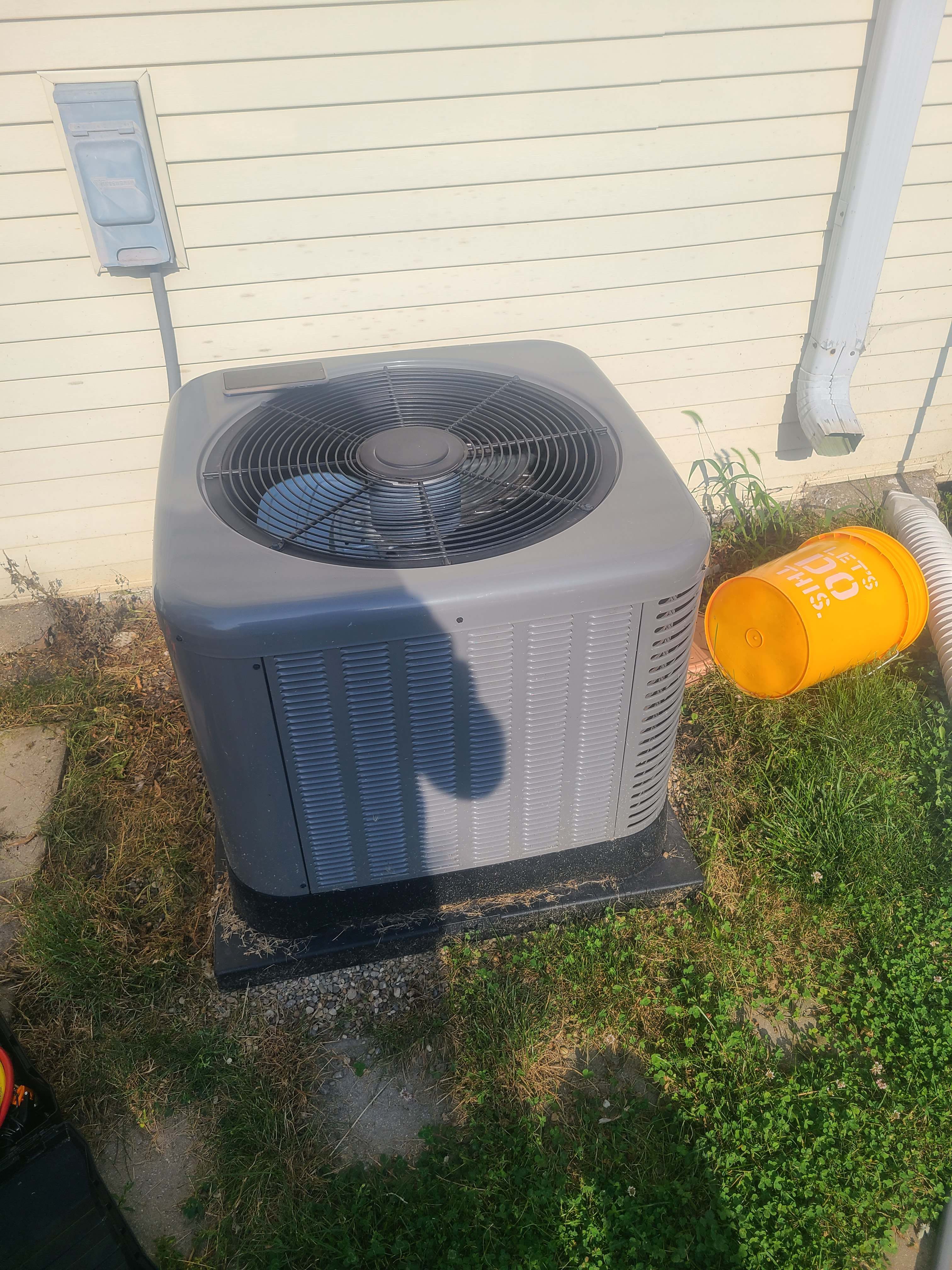 Ac maintenance on new Rudd 13 seer R410a system in Morton Grove