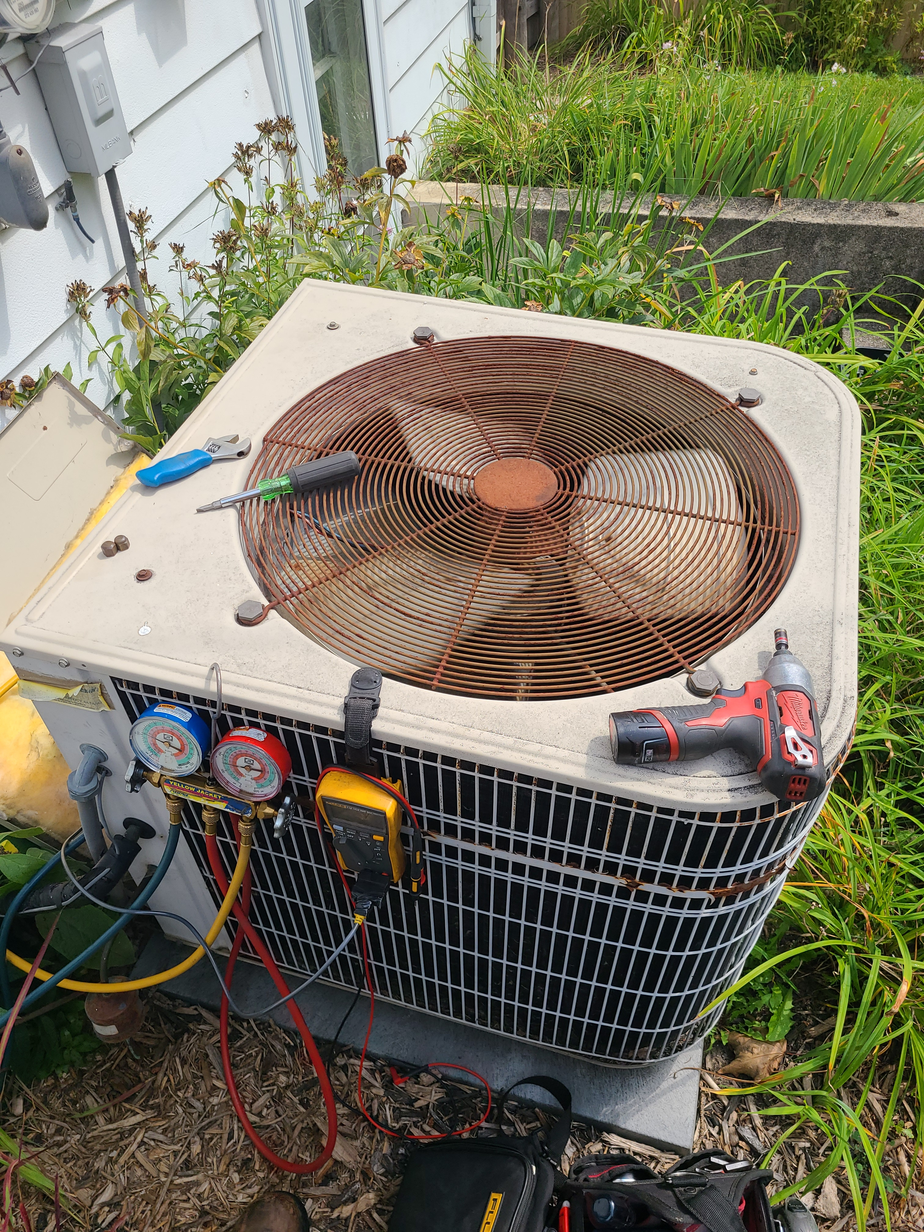 Lennox summer ac tune up. System cleaned and checked and ready for summer.