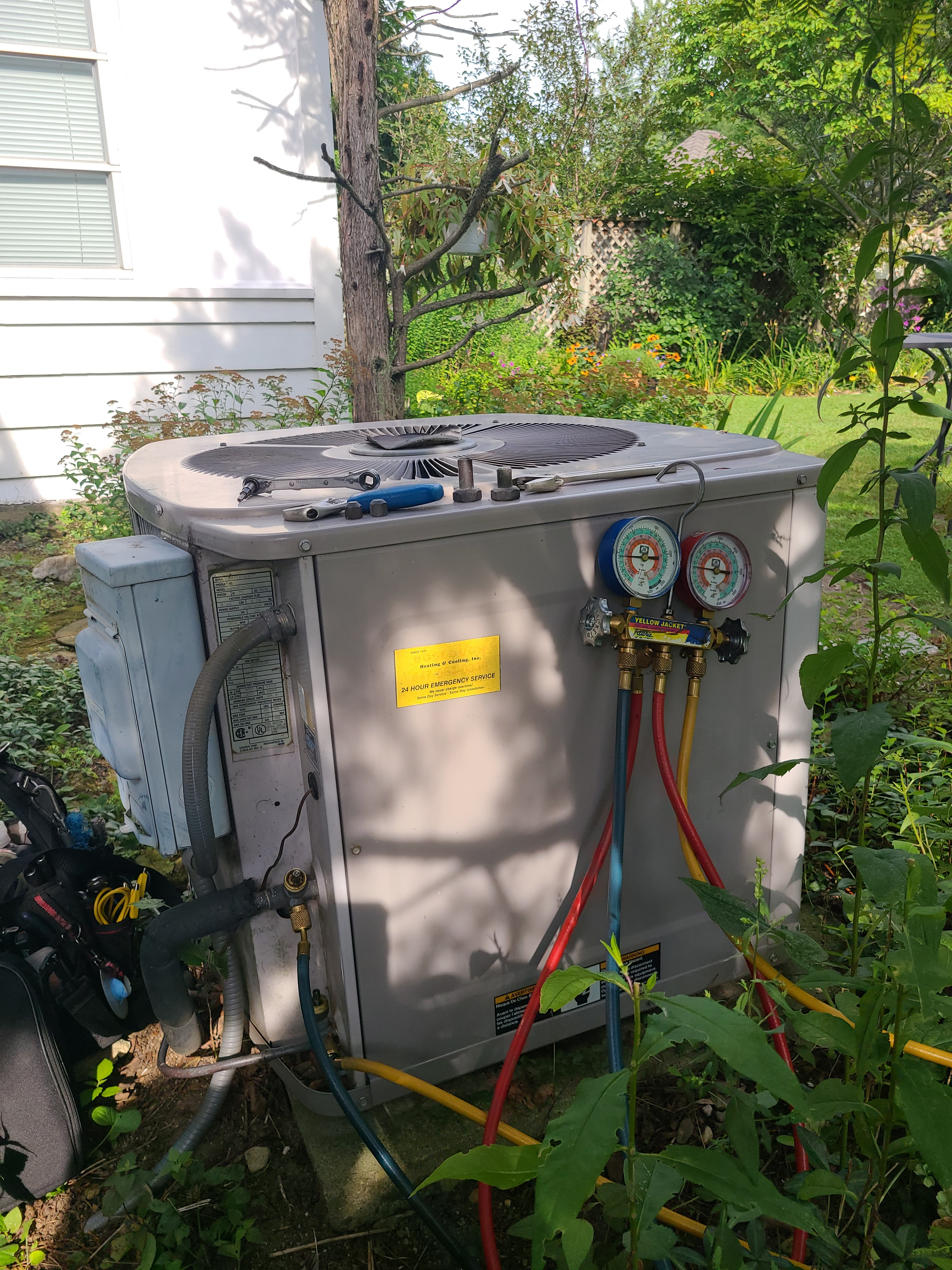 Carrier air conditioning no cooling operation diagnosed and repaired.
