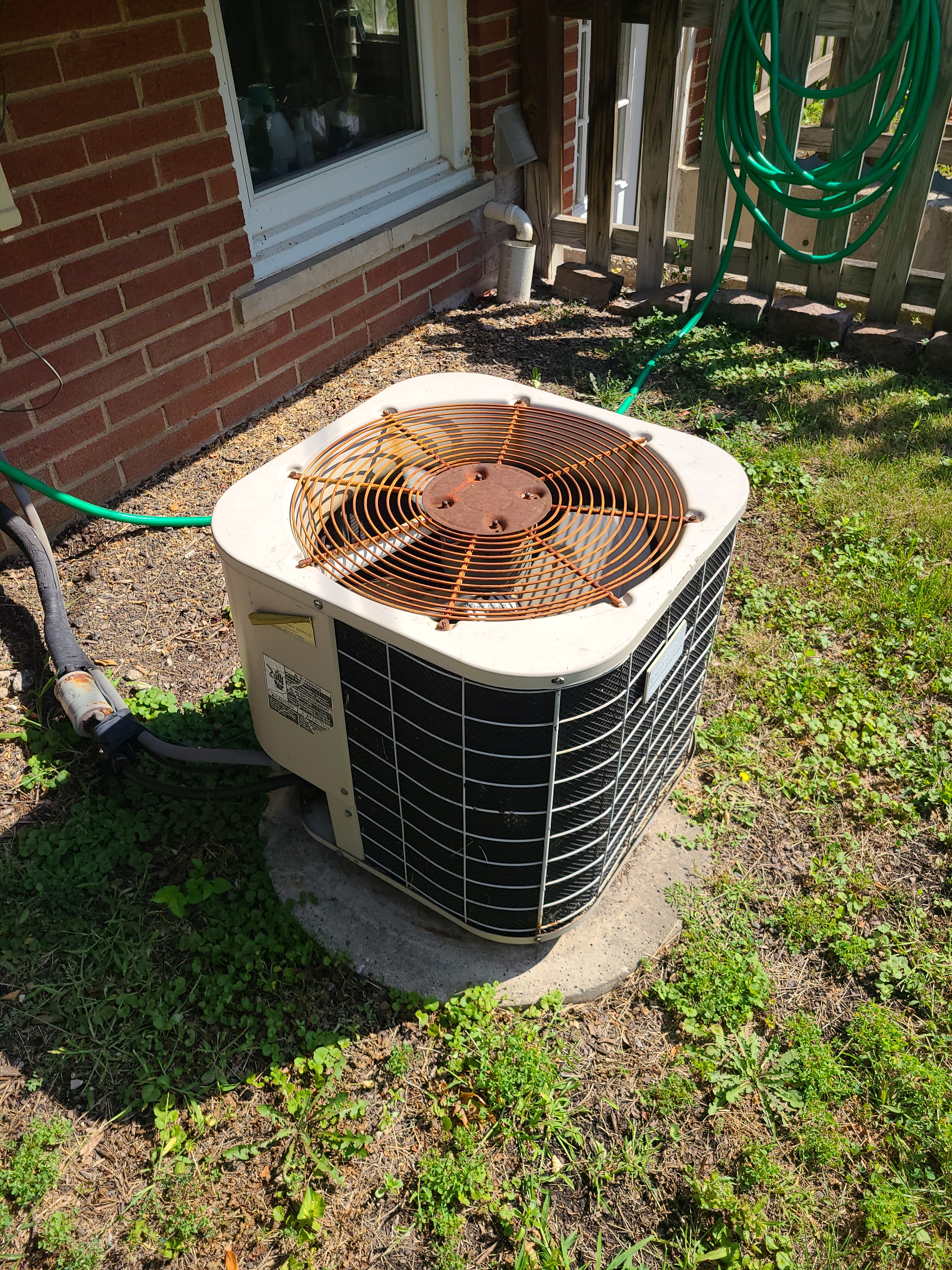 Sunner ac system tune up. System cleaned and checked and ready for summer.