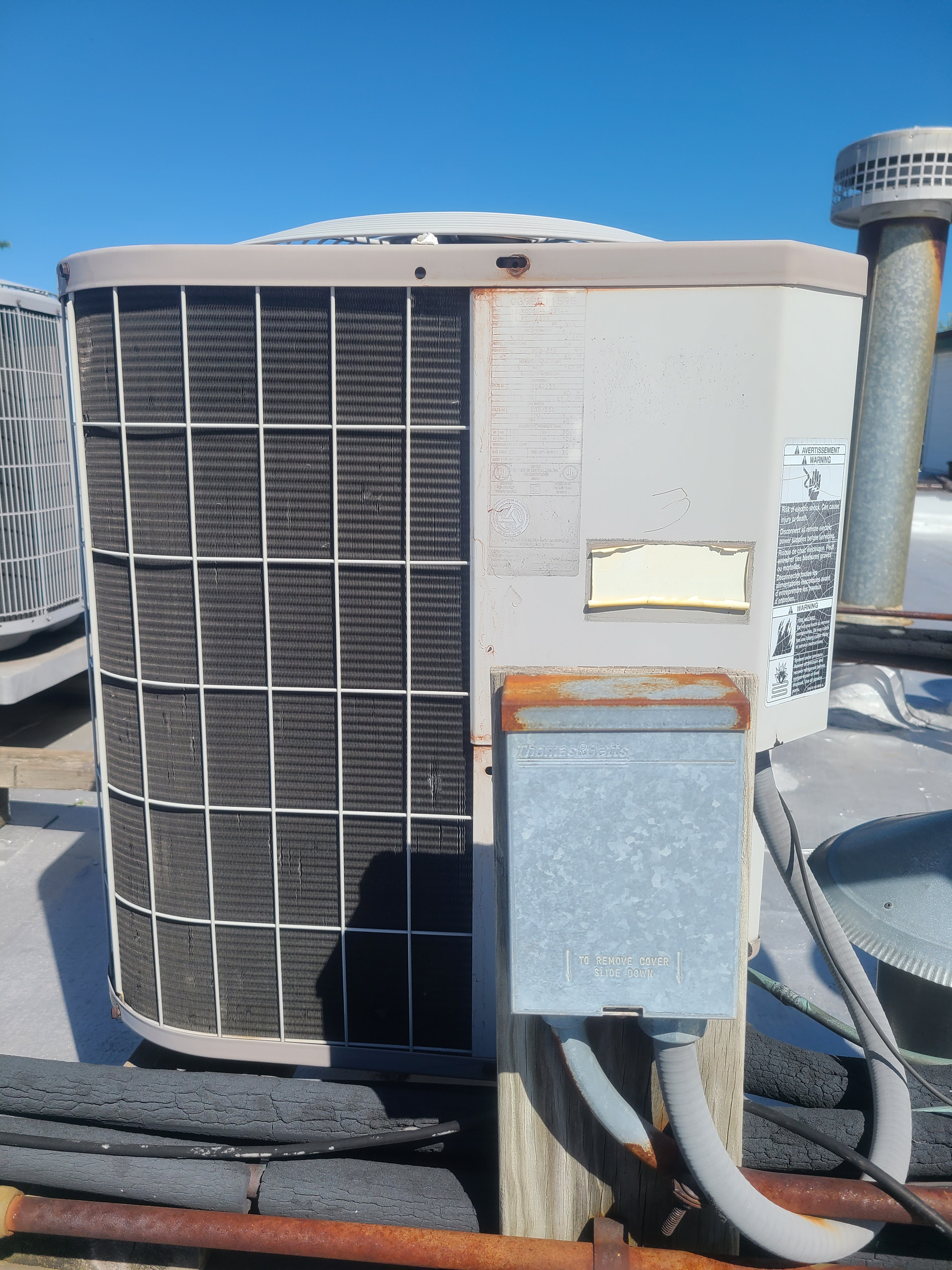 Ac maintenance on carrier ac system in Chicago