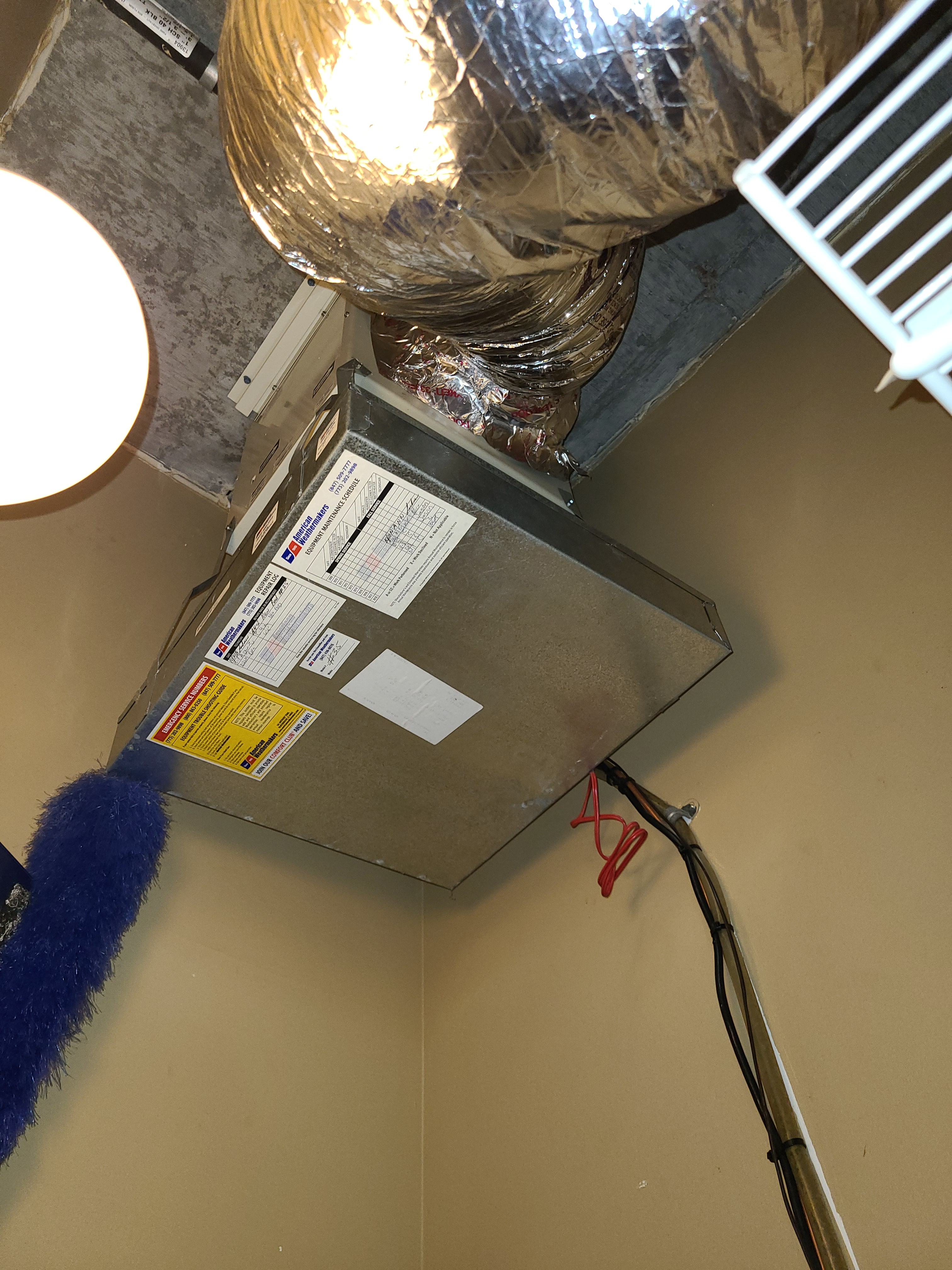 Humidifier leak repaired on Aprilaire system. Operation restored.
